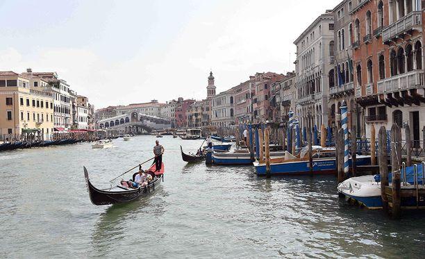 Venetsiassa toivotaan, että matkailijaruuhkat helpottaisivat ja kaupungilla olisi väljempää.