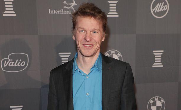 Toni Nieminen saapui yksin Urheilugaalaan torstai-iltana.
