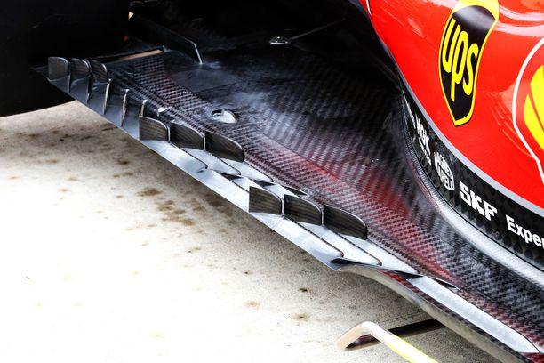 Pohjan leveä muotoilu jäljittelee Red Bullin autojen tyyliä.