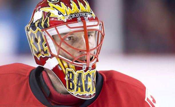 Niklas Bäckström pelasi tällä kaudella neljä NHL-ottelua Calgary Flamesin riveissä.
