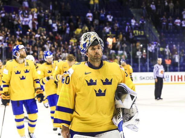 Henrik Lundqvist ei onnistunut pysäyttämään Suomea MM-puolivälierässä.