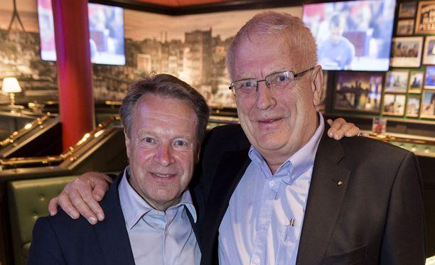 Paavo Nurmi Gamesin puheenjohtaja Ilkka Kanerva kaulaili Euroopan yleisurheiluliiton johtajan Svein Arne Hansenin kanssa. Kisojen tekijöiden polttoaineena on intohimo, jota on höystetty pienellä hulluudella, Kanerva totesi.