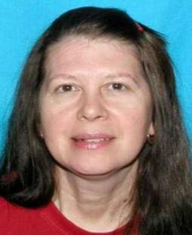 Sheila Keen-Warren pidätettiin murhasta epäiltynä 27 vuotta teon jälkeen. Hän on naimisissa uhrin lesken kanssa.