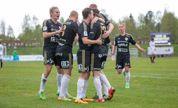 SJK juhlii maalia HIFK:ta vastaan.