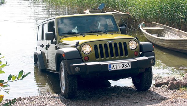 Jeepin etumaski ja säleikkö on vanha tuttu.