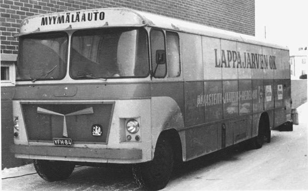 Myymäläauto oli tärkeä osa Lappajärven Osuuskaupan toimintaa vuosikymmenten ajan.