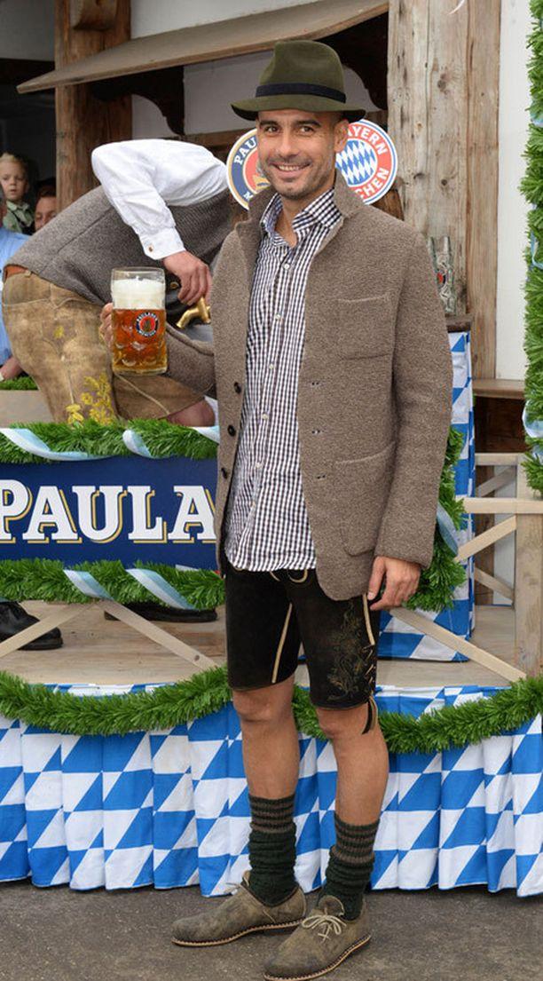 Onkohan Pep Guardiola koskaan aiemmin pukeutunut tällä tavalla?