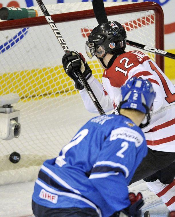 Olli Määttä pelasi MM-turnauksessa vain erän ennen loukkaantumistaan.