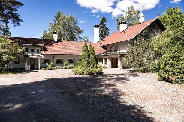 Porvoolaisen talon ulkoasussa on perinteistä ja kodikasta tunnelmaa.