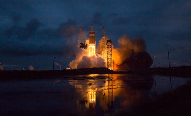 Nasa laukaisi joulukuussa Orion-avaruusaluksensa testilennolle. Se kiersi Maan kahdesti ennen palaamistaan pinnalle. Orion on Maan kiertoradan ulkopuolisiin miehitettyihin lentoihin tarkoitettu uusi avaruusalusmalli. Sen avulla pyritään mahdollistamaan miehitetty lento niin asteroidille kuin Marsiinkin.