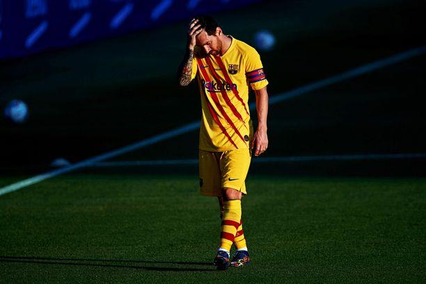 Lionel Messi on ilmaissut tyytymättömyytensä seurajohtoon, mutta jäi kuitenkin Barcelonaan.