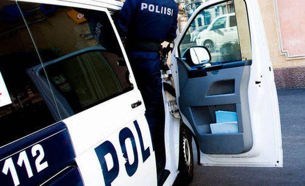 Poliisi tutkii pelottelutapauksia Uudellamaalla.