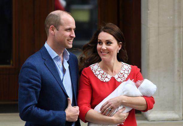 Prinssi Williamin ja Catherinen perhe täydentyi kolmannella lapsella.