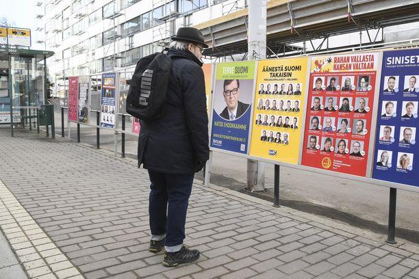 Eduskuntavaaliehdokkaiden syyksi on luettu 74 erilaista rikosta.