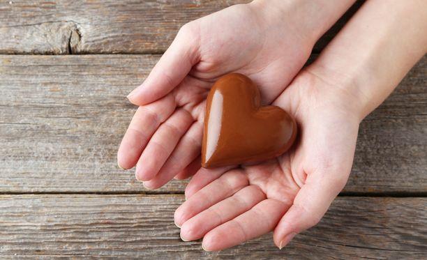 Pieni herkuttelu suklaalla silloin tällöin ei ole haitallista.