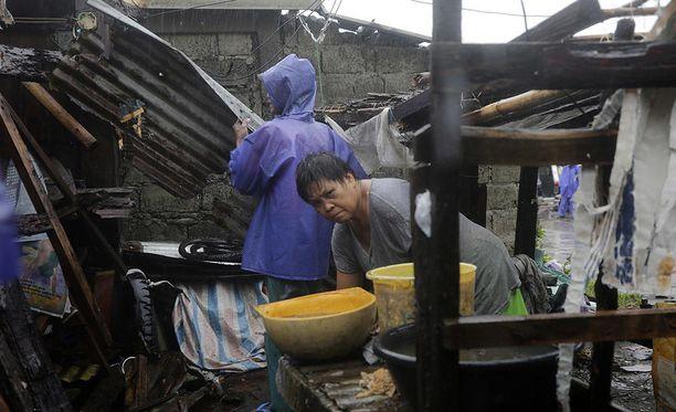 Taifuuni Mangkhut on aiheuttanut laajoja aineellisia vahinkoja Filippiinien pohjoisosissa.