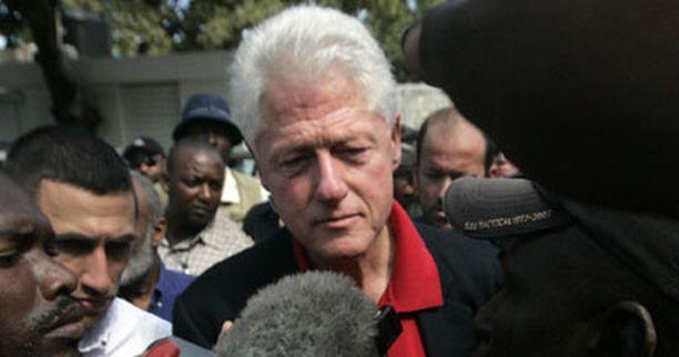 Bill Clinton joutui sairaalaan rintakipujen vuoksi New Yorkissa.