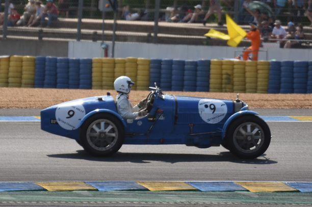 Bugatti 35 B vuodelta 1928. Yksi esimerkki miljoonaluokan harrasteautosta.