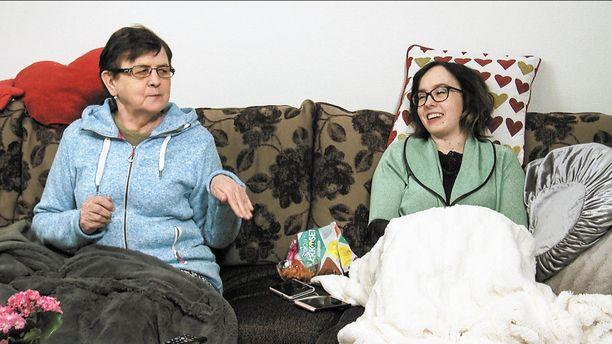 Marja ja Eija ovat äiti ja tytär.