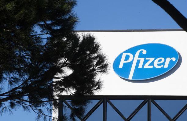 Pfizer haki rokotteelle hyväksyntää hätätilan nojalla.
