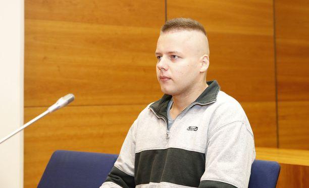 Joni Mikael Lehtovirta myönsi käräjillä syyttäjän esittämän teonkuvauksen, mutta katsoi toimineensa hätävarjelutilanteessa.