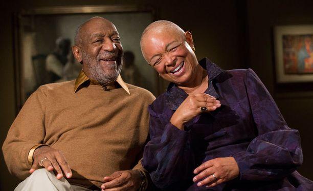 Marraskuun alussa Bill ja Camille Cosby edustivat näin iloisina haastattelussa, joka koski heidän taideharrastustaan.