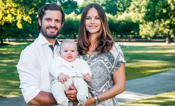 Carl Philip ja Sofia Hellqvist avioituivat vuosi sitten kesäkuussa.