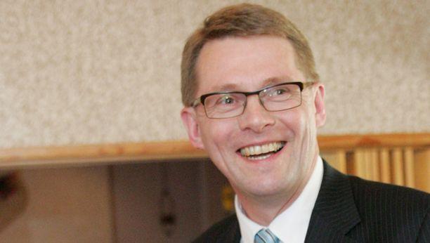 Pääministeri Matti Vanhasen puutarhametropolimalli sai muiden puoluiden haukut ja suomalaisten kannatuksen.