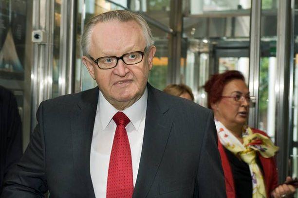 – Ei pidä loukata ketään, neuvoi rauhanrakentaja Martti Ahtisaari Ykkösaamu-ohjelmassa pilapiirroskiistoihin viitaten.