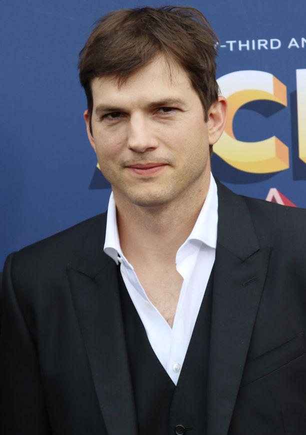 Ashton Kutcher ei ilahtunut ex-vaimonsa kirjasta.