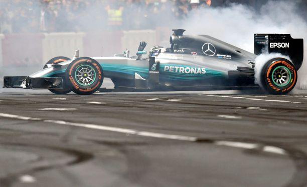 Valtteri Bottas otti Venäjällä uransa ensimmäisen F1-osakilpailuvoiton.