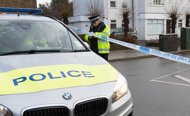 Lontoon poliisi ei toistaiseksi ole kertonut kuolemasta tai sen tutkinnasta muuta, kuin että sitä tutkitaan selittämättömänä. Kuvituskuva