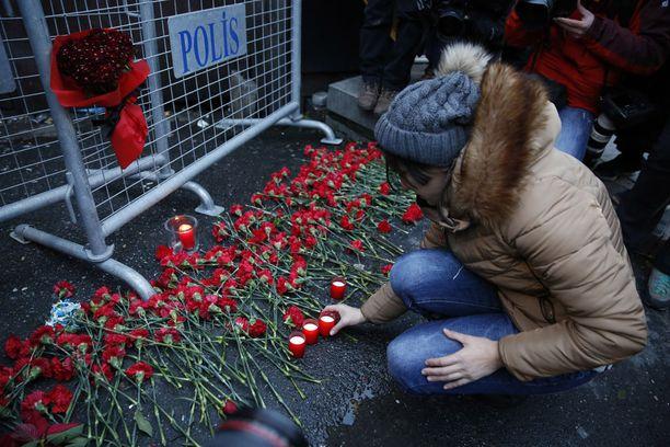Istanbulin yökerhoiskussa uudenvuoden yönä kuoli 39 ihmistä.