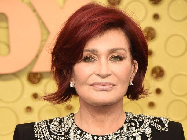 Entinen X Factor -tuomari Sharon Osbourne on käyttänyt satoja tuhansia puntia ulkonäkönsä kohentamiseen. Kuva syyskuulta 2019, eli ennen hänen neljättä kasvojenkohotustaan.