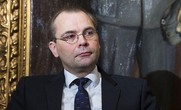 Jussi Niinistö pitää mahdollisena, että Ylen uutisessa oli kyse tahallisesta virheellisen tiedon levittämisestä.