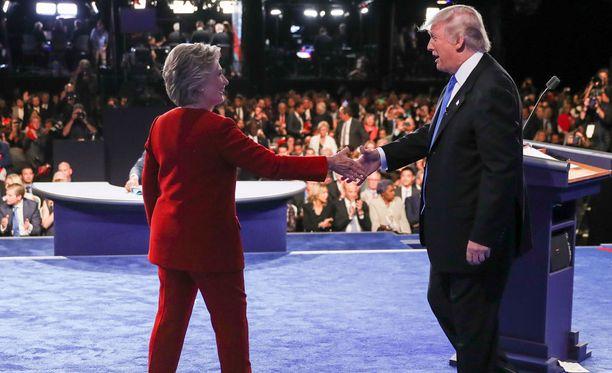 Yhdysvalloissa presidenttiehdokkaiden ensimmäisessä kahdenkeskisessä vaaliväittelyssä ehdokaskaksikko otti yhteen Yhdysvaltain ulkopolitiikasta Lähi-idässä ja terrorisminvastaisesta taistelusta.