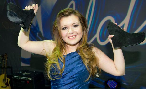Tuore Idols-voittaja vuonna 2012.
