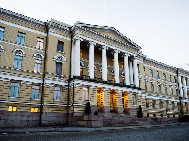 Helsingin yliopiston päärakennus Fabianinkadulla.