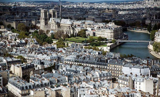 Lyhytaikaisten loma-asuntojen vuokrausta halutaan rajoittaa Pariisin keskustassa.