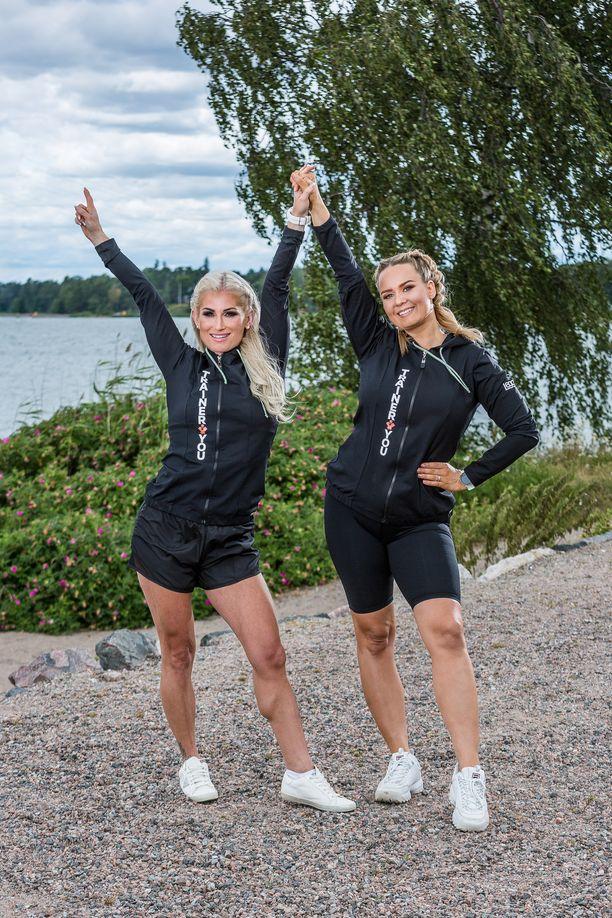 Karoliina Koivisto ja Anni Vallius uudistivat Fitnessmalli-kilpailun.