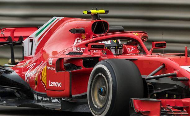 Kimi Räikkönen nauttii Ferrarilla ajamisesta.