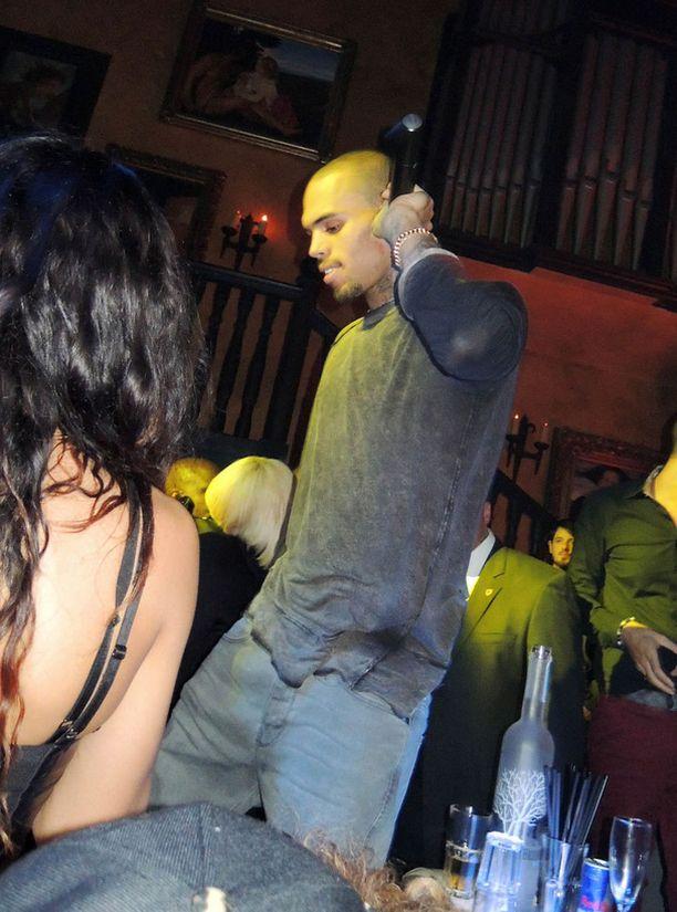 Chris Brown on saanut exältään anteeksi.