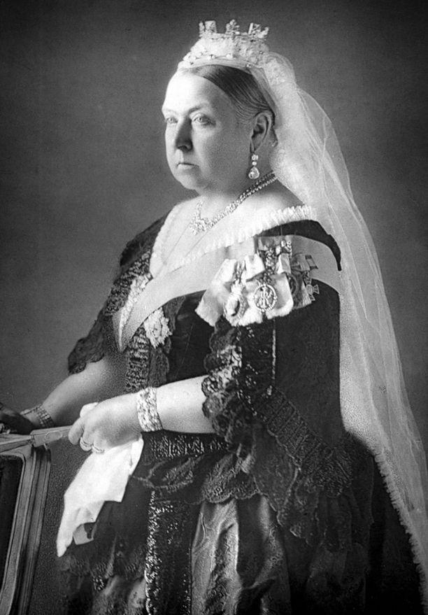 Kuningatar Viktoria oli noin puolitoista metriä pitkä.