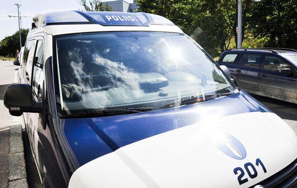 Tutkinnanjohtajan, rikoskomisario Pasi Niemisen mukaan epäillyt teot kuuluvat samaan kokonaisuuteen.