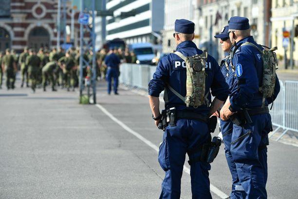 Poliisin suoriin huipputapaamiskuluihin meni alustavan arvion mukaan noin kaksi miljoonaa euroa.