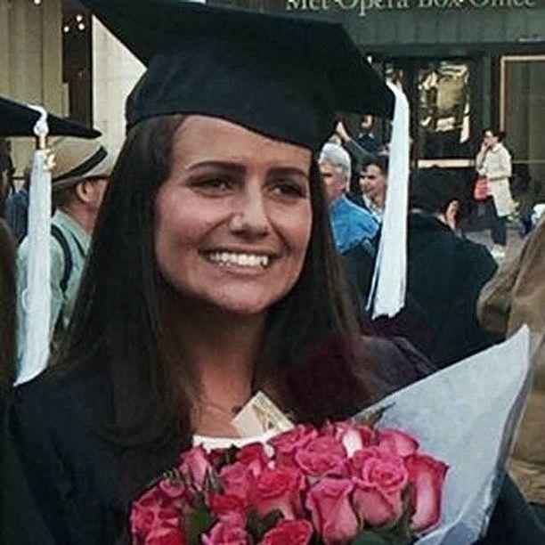 Alexanderin sisko Sascha Pinczowski, 26, kuoli veljensä kanssa lentokentän terrori-iskussa. Sisarukset olivat matkalla New Yorkiin.