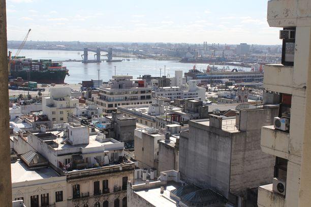 Montevideon sataman laajennus on rautatien ja tieverkoston kehittämisen ohella yksi Uruguayn hallituksen mittavista infrastruktuurihankkeista, joista on sovittu yhdessä UPM:n kanssa.