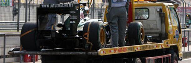 Heikki Kovalaisen auto saapui varikolle hieman poikkeuksellisella tavalla.