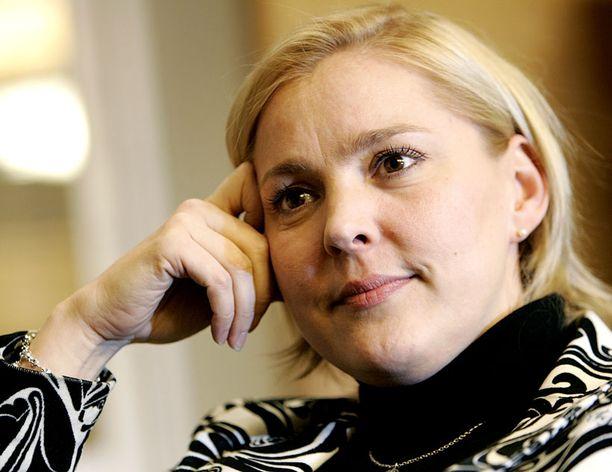 Puoluesihteeri Taru Tujunen sai tytön.