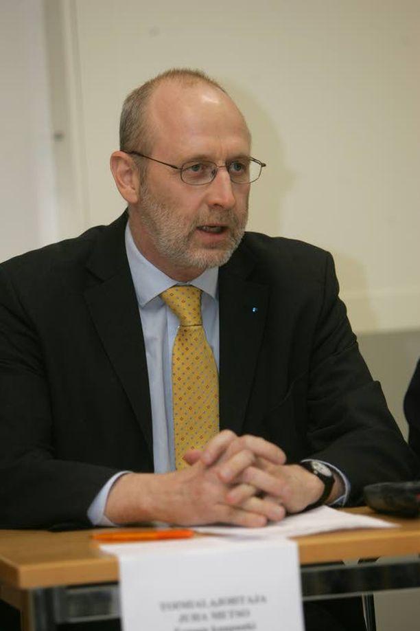 Peruspalvelujohtaja Juha Metso avaa keskustelun suomalaisten miesten kansantaudista, negatiivisesta asenteesta